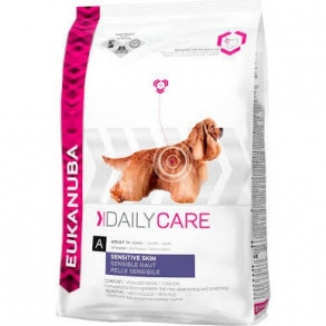 Illustration croquettes eukanuba adulte daily care peau sensible sac 12 kg